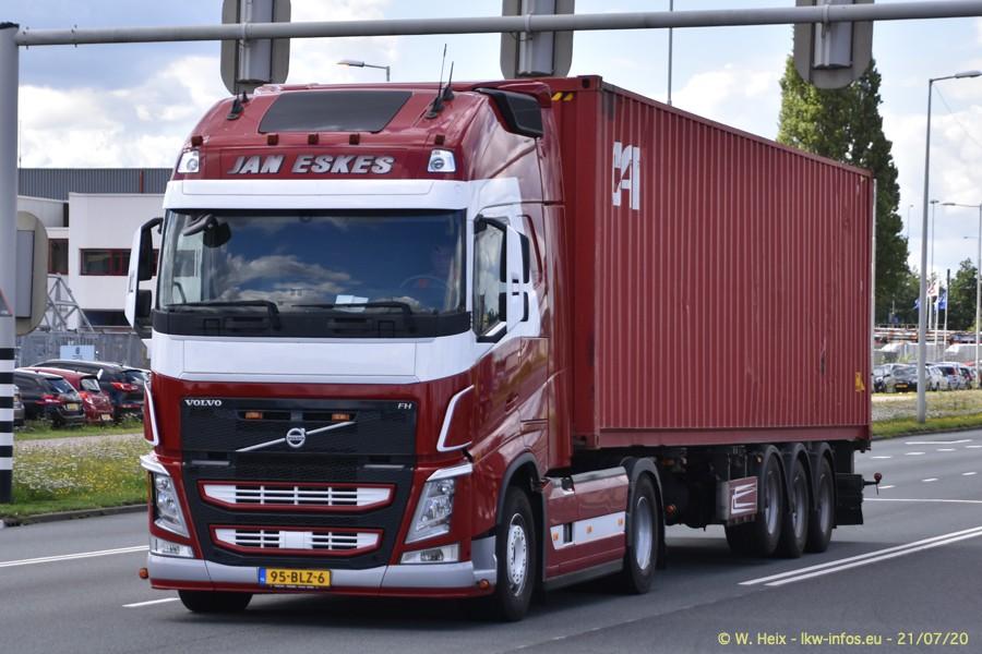 2020816-Rotterdam-Containerhafen-00288.jpg