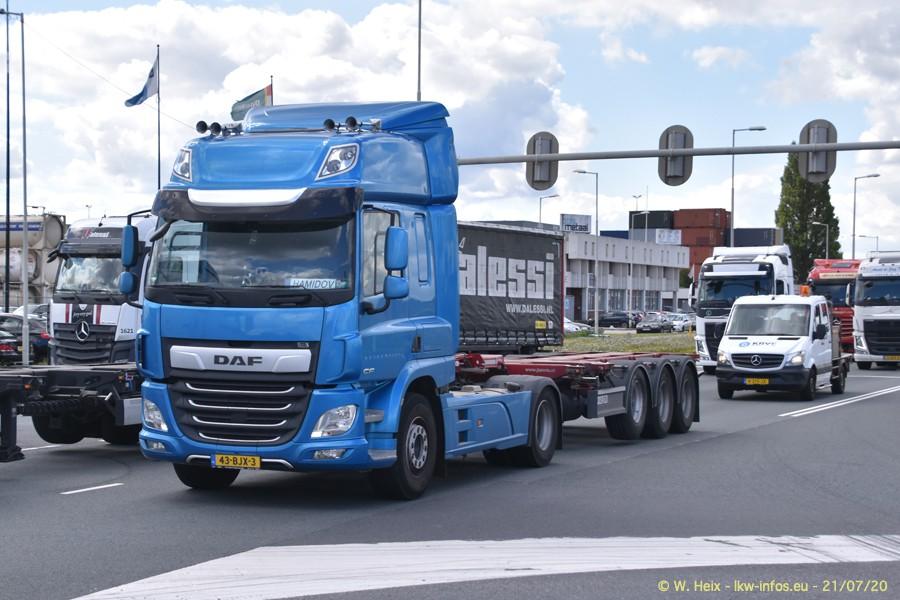 2020816-Rotterdam-Containerhafen-00289.jpg