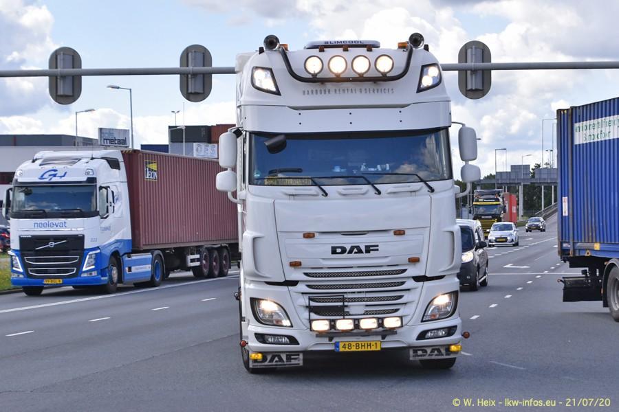 2020816-Rotterdam-Containerhafen-00318.jpg