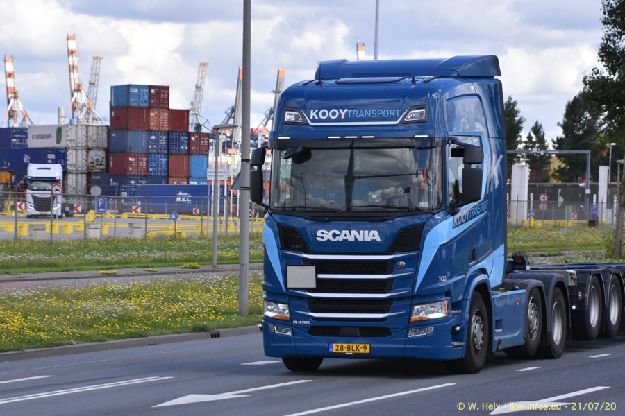 2020816-Rotterdam-Containerhafen-00338.jpg