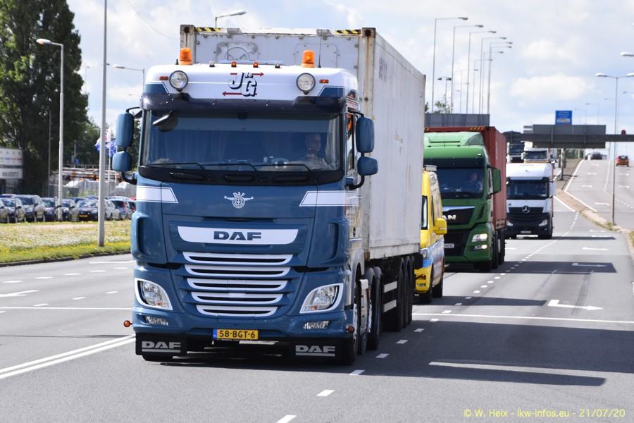 2020816-Rotterdam-Containerhafen-00361.jpg