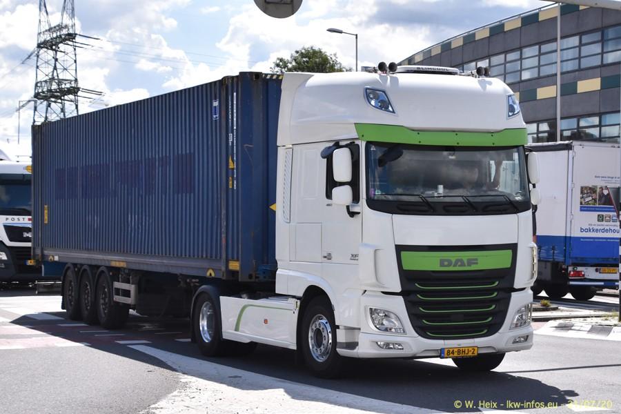 2020816-Rotterdam-Containerhafen-00381.jpg