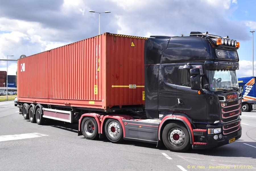 2020816-Rotterdam-Containerhafen-00395.jpg