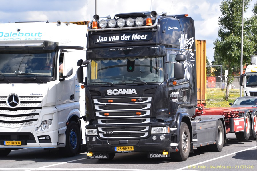 2020816-Rotterdam-Containerhafen-00400.jpg