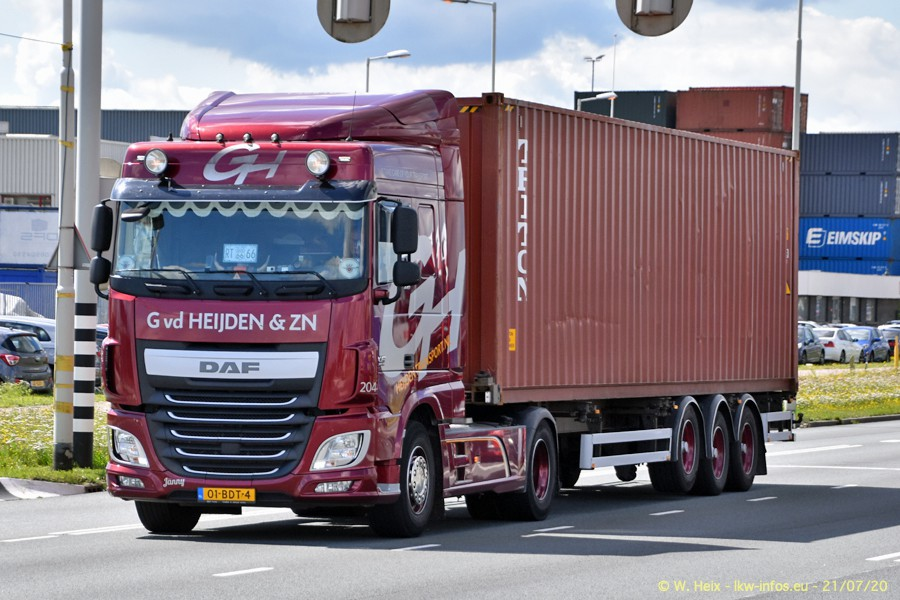 2020816-Rotterdam-Containerhafen-00425.jpg