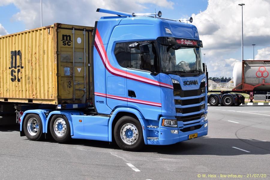 2020816-Rotterdam-Containerhafen-00446.jpg