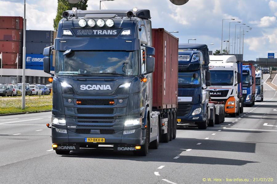 2020816-Rotterdam-Containerhafen-00456.jpg