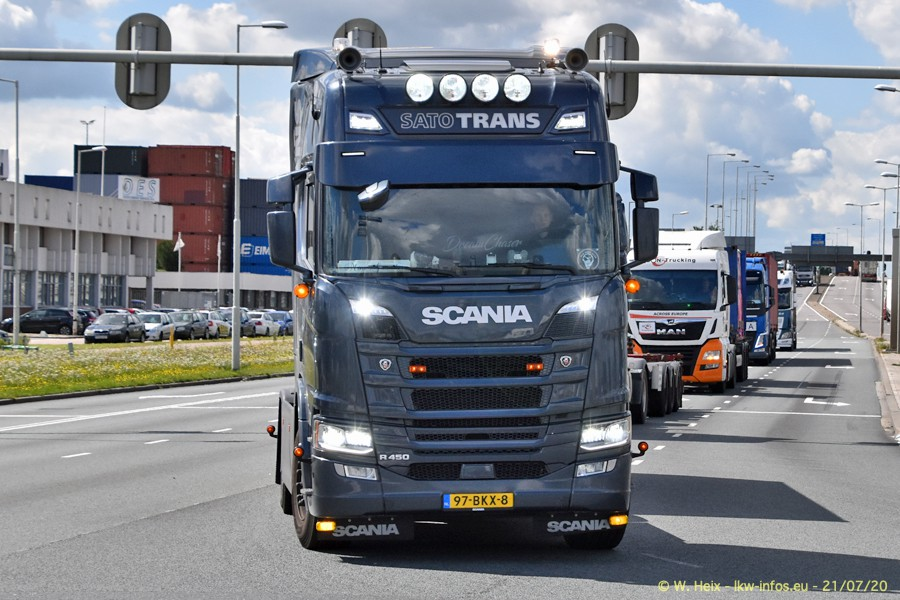 2020816-Rotterdam-Containerhafen-00457.jpg