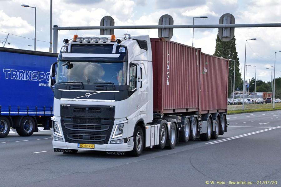 2020816-Rotterdam-Containerhafen-00475.jpg