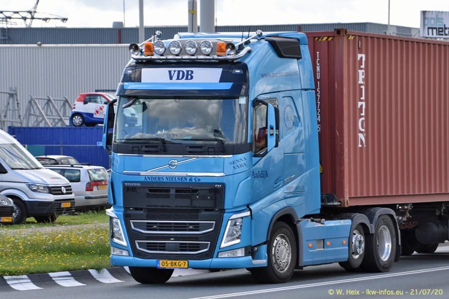 2020816-Rotterdam-Containerhafen-00477.jpg