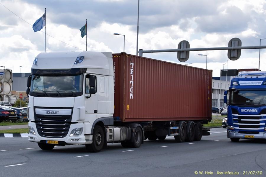 2020816-Rotterdam-Containerhafen-00489.jpg