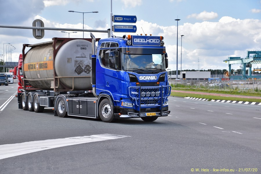 2020816-Rotterdam-Containerhafen-00601.jpg