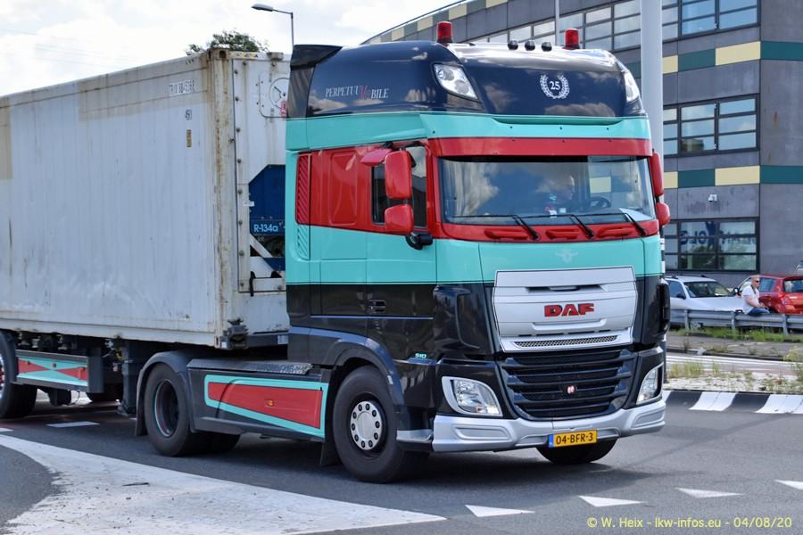 2020816-Rotterdam-Containerhafen-00624.jpg