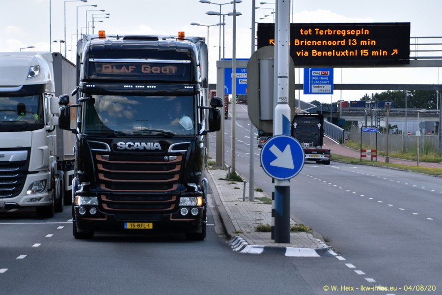 2020816-Rotterdam-Containerhafen-00640.jpg