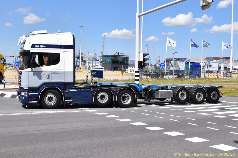 2020816-Rotterdam-Containerhafen-00689.jpg