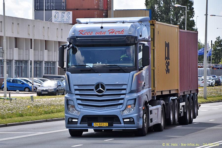 2020816-Rotterdam-Containerhafen-00768.jpg