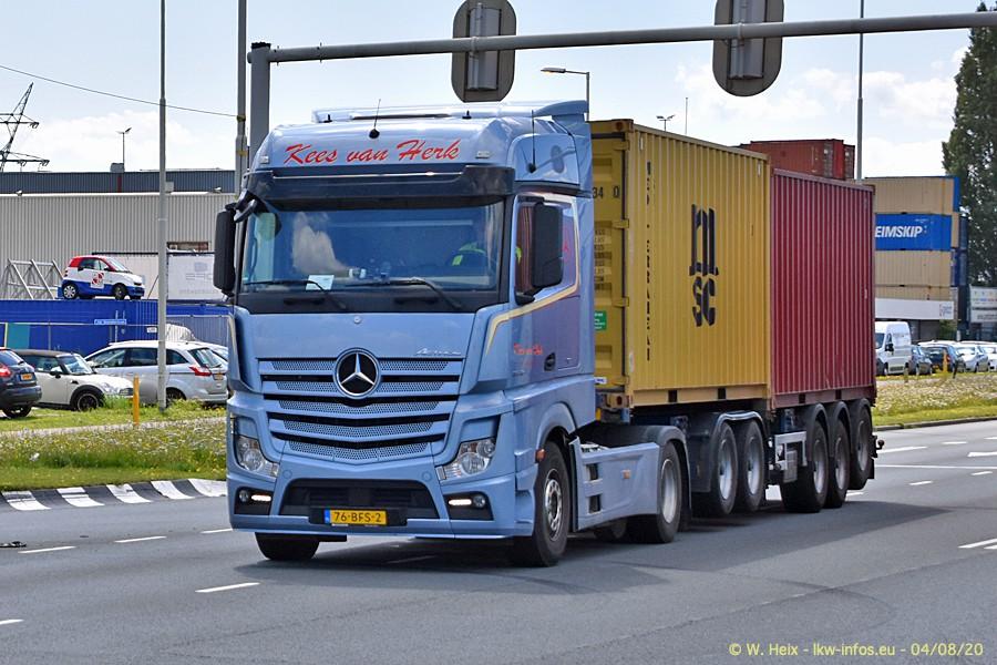 2020816-Rotterdam-Containerhafen-00769.jpg