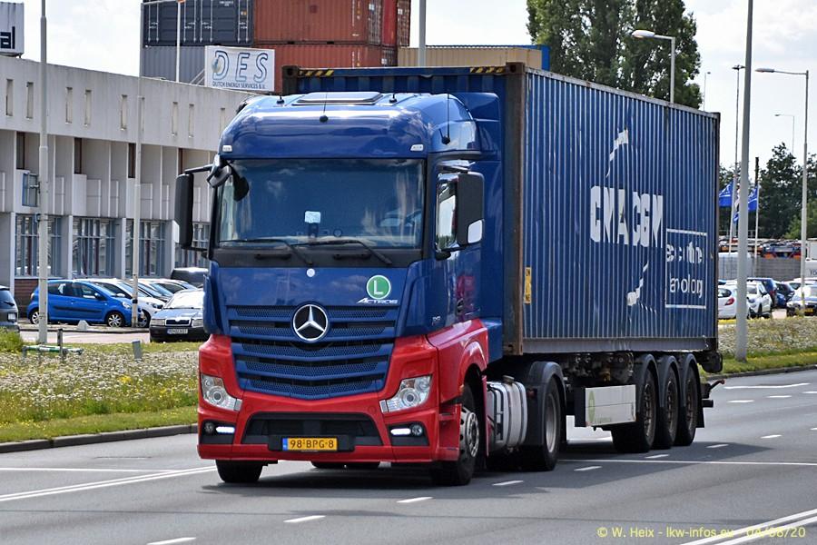 2020816-Rotterdam-Containerhafen-00874.jpg