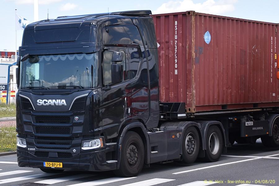 2020816-Rotterdam-Containerhafen-00897.jpg