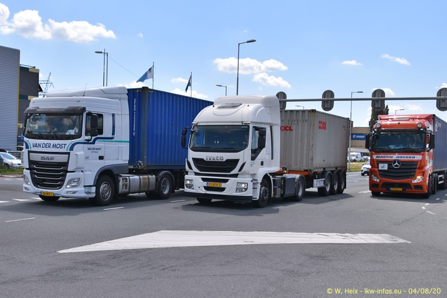2020816-Rotterdam-Containerhafen-00900.jpg