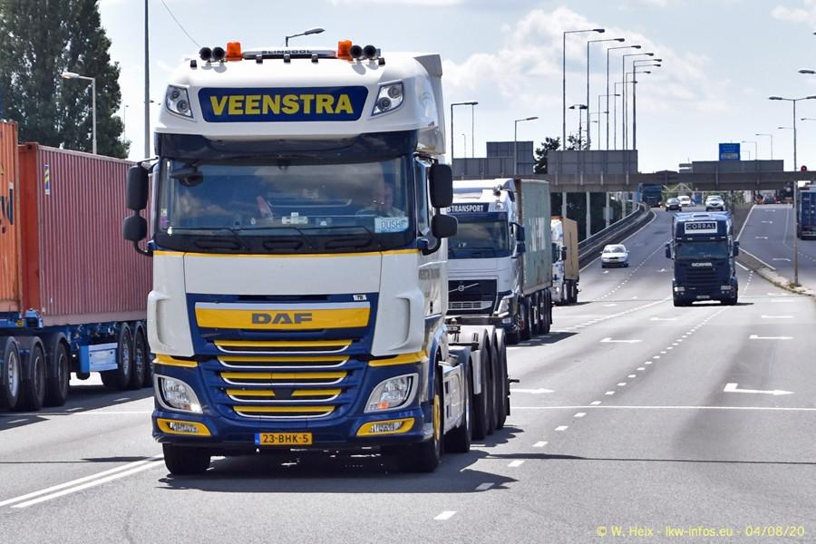 2020816-Rotterdam-Containerhafen-00957.jpg