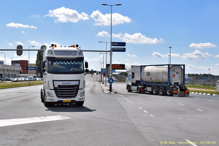 2020816-Rotterdam-Containerhafen-00997.jpg