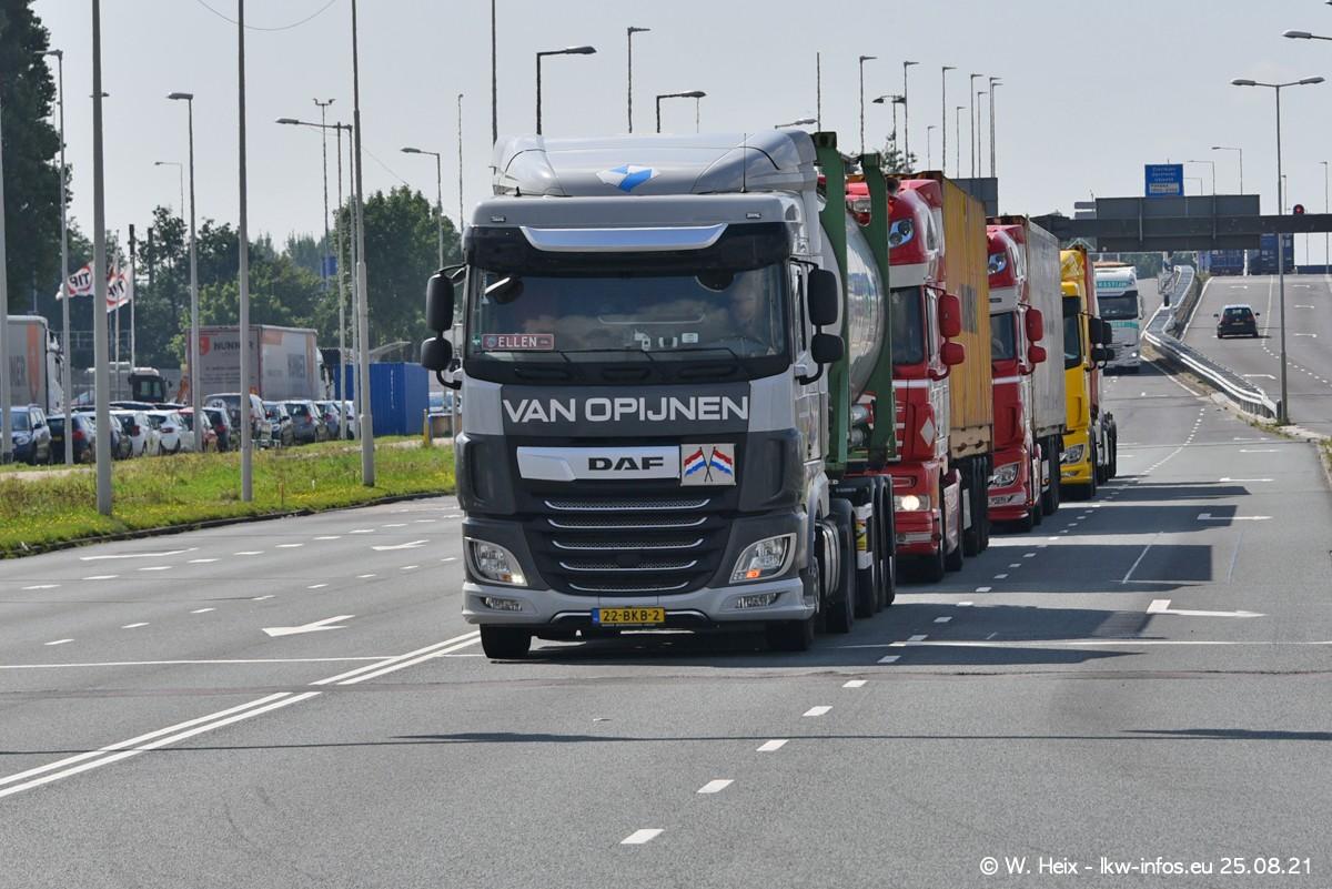 20210902-Rotterdam-Containerhafen-00003.jpg