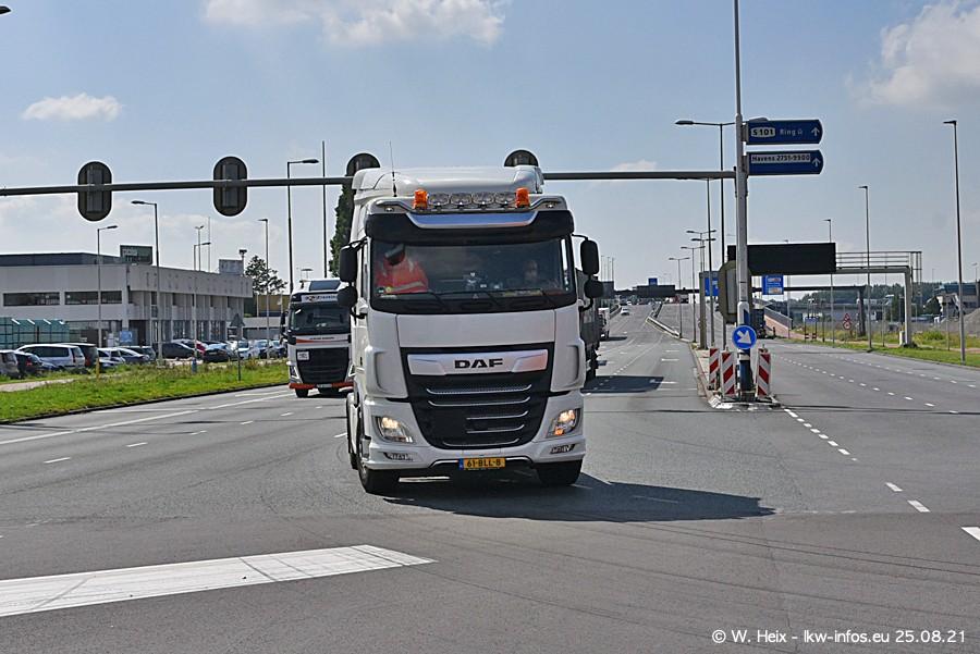 20210902-Rotterdam-Containerhafen-00009.jpg