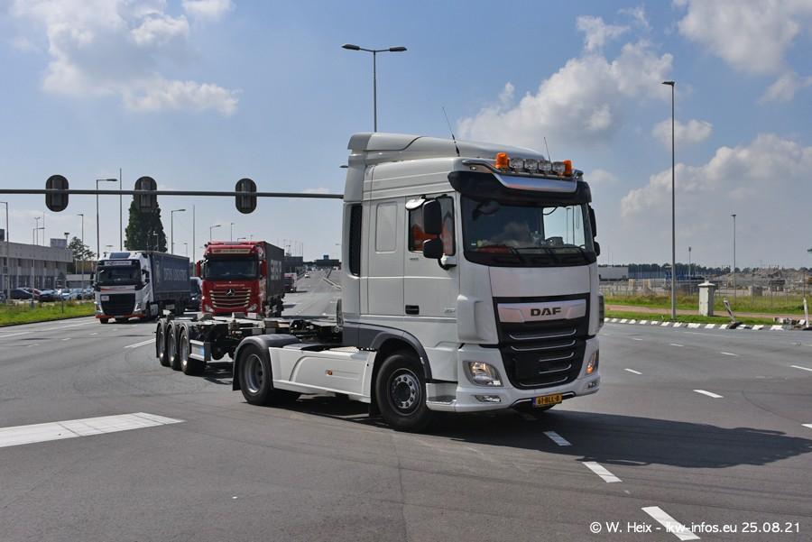 20210902-Rotterdam-Containerhafen-00010.jpg