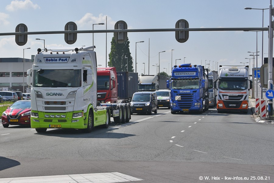 20210902-Rotterdam-Containerhafen-00011.jpg