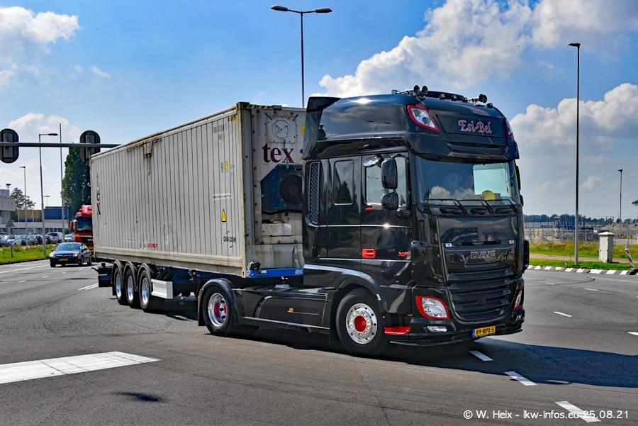 20210902-Rotterdam-Containerhafen-00036.jpg