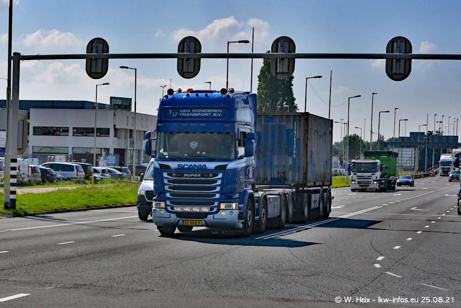 20210902-Rotterdam-Containerhafen-00041.jpg