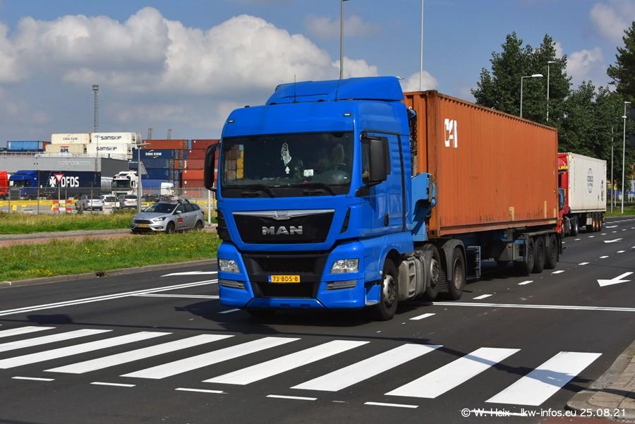 20210902-Rotterdam-Containerhafen-00072.jpg