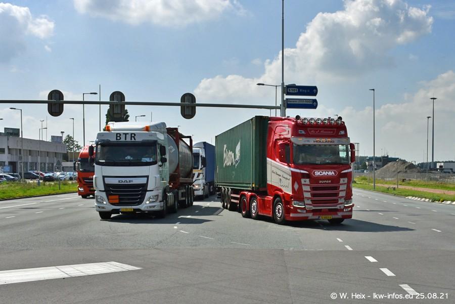 20210902-Rotterdam-Containerhafen-00094.jpg