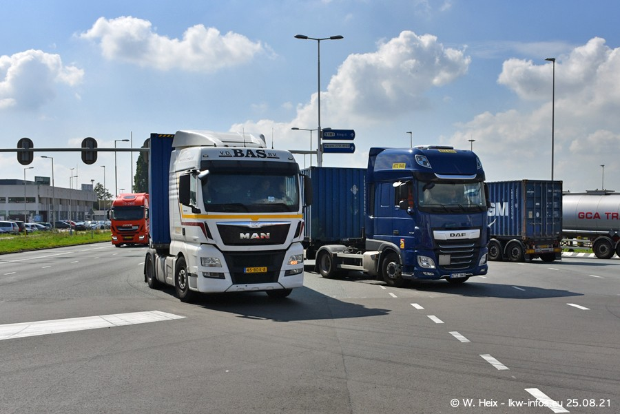 20210902-Rotterdam-Containerhafen-00097.jpg
