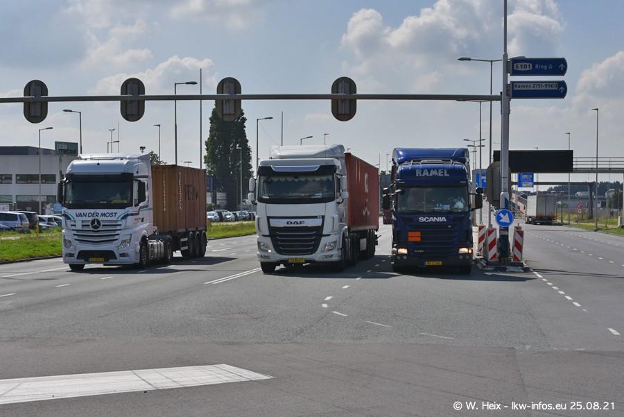 20210902-Rotterdam-Containerhafen-00142.jpg