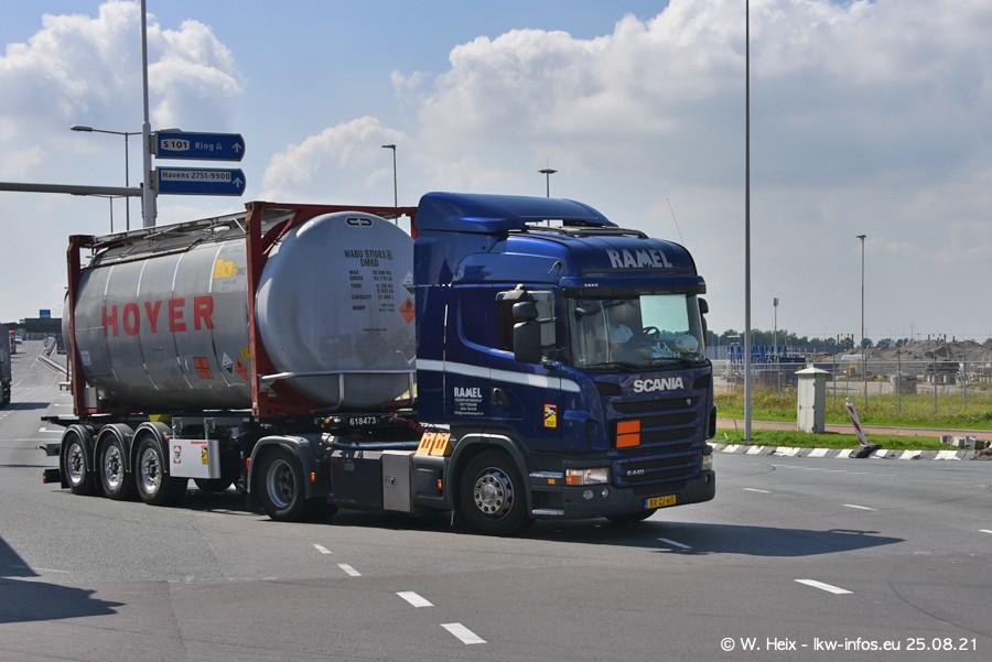 20210902-Rotterdam-Containerhafen-00143.jpg