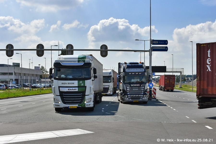 20210902-Rotterdam-Containerhafen-00165.jpg