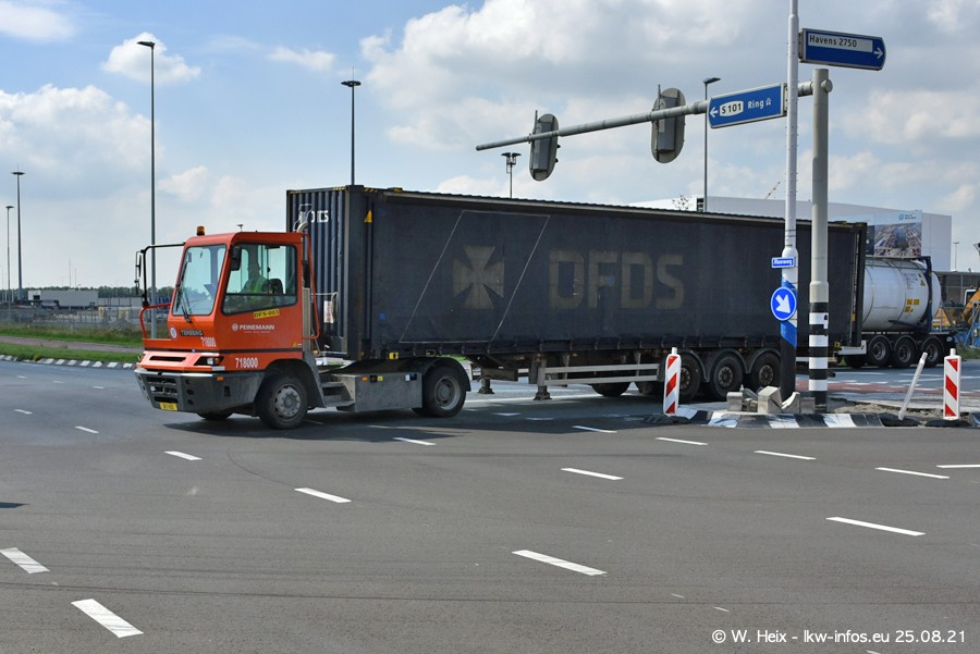 20210902-Rotterdam-Containerhafen-00195.jpg