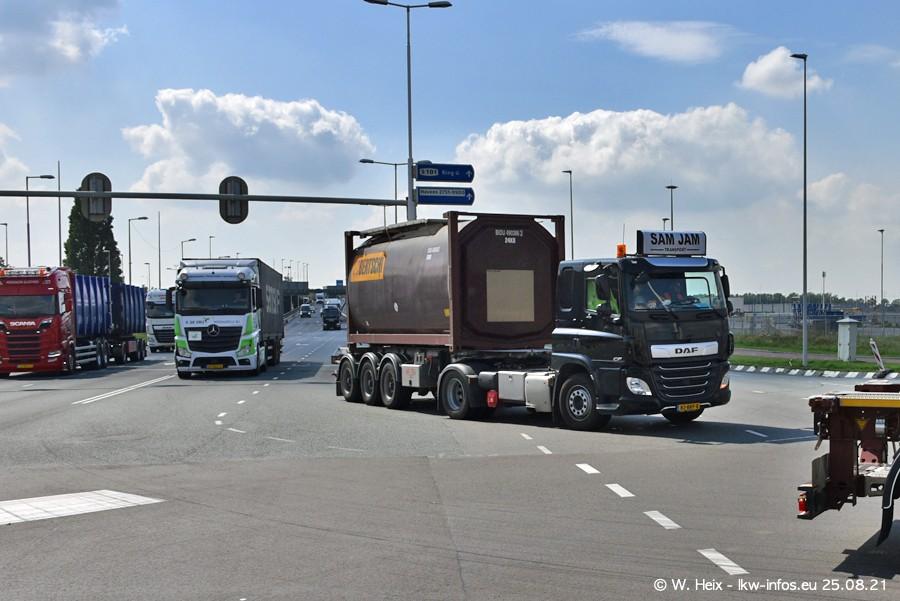 20210902-Rotterdam-Containerhafen-00201.jpg