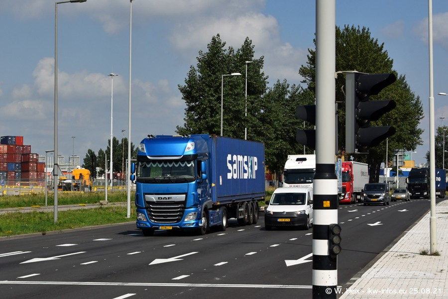 20210902-Rotterdam-Containerhafen-00205.jpg