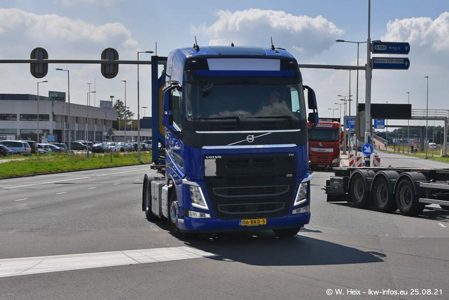 20210902-Rotterdam-Containerhafen-00216.jpg