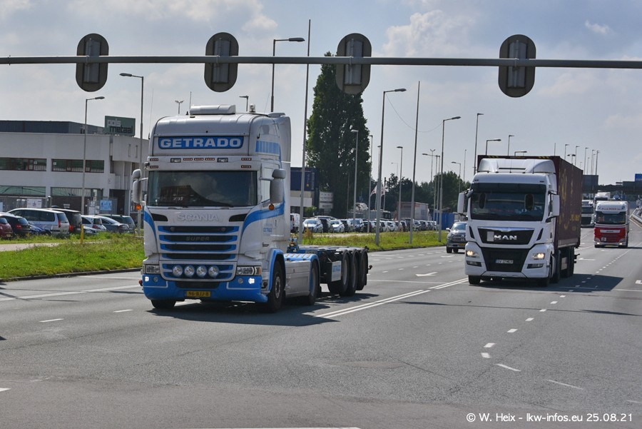 20210902-Rotterdam-Containerhafen-00222.jpg