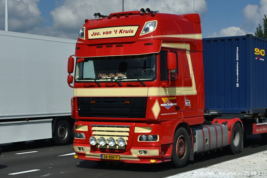 20210902-Rotterdam-Containerhafen-00282.jpg