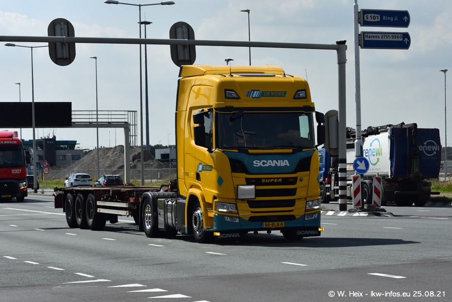 20210902-Rotterdam-Containerhafen-00285.jpg