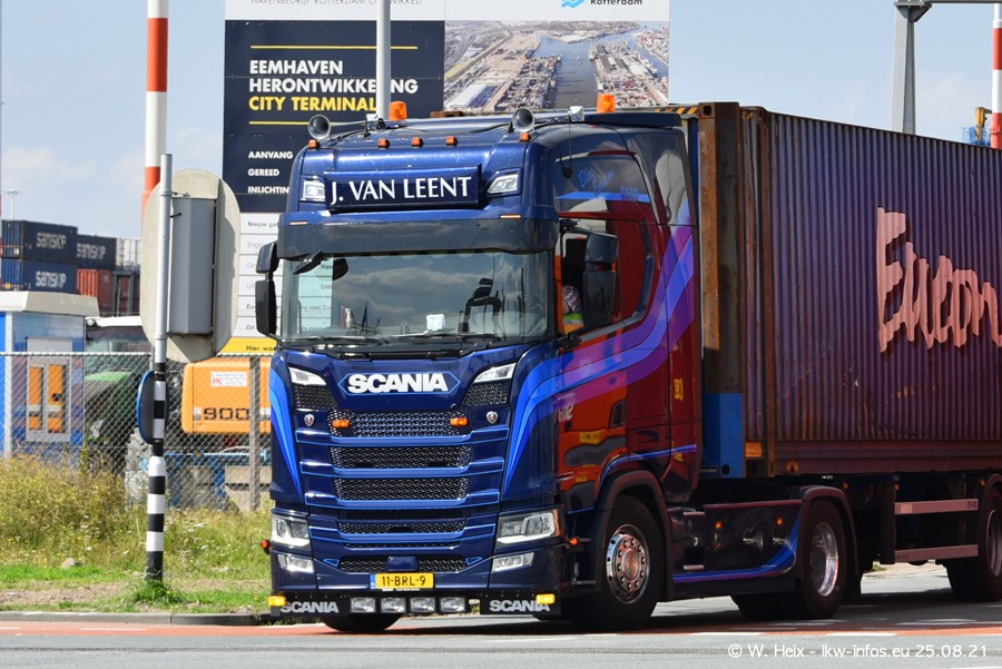 20210902-Rotterdam-Containerhafen-00290.jpg