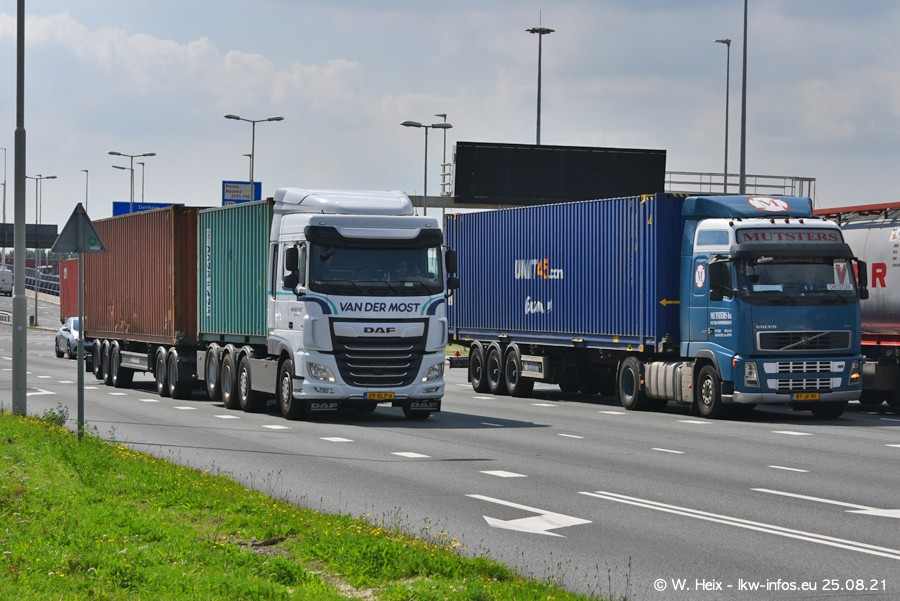 20210902-Rotterdam-Containerhafen-00314.jpg