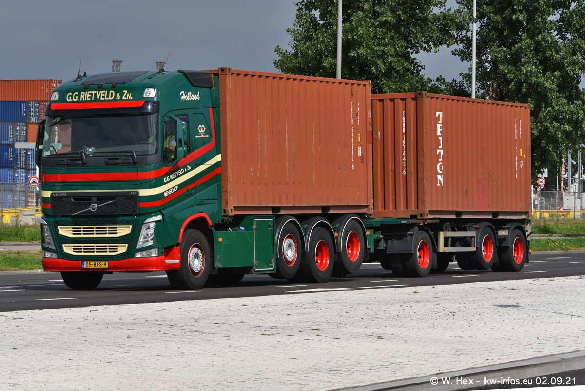 20210902-Rotterdam-Containerhafen-00355.jpg