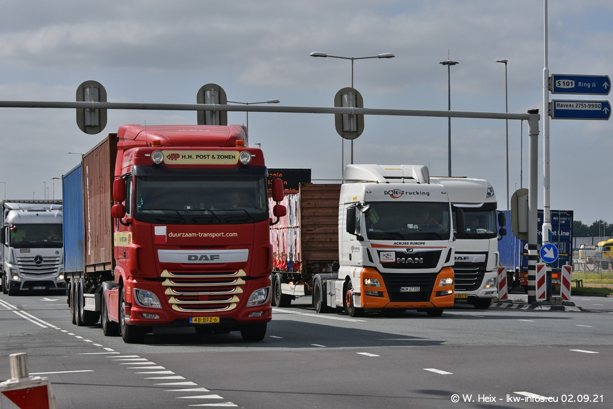 20210902-Rotterdam-Containerhafen-00358.jpg