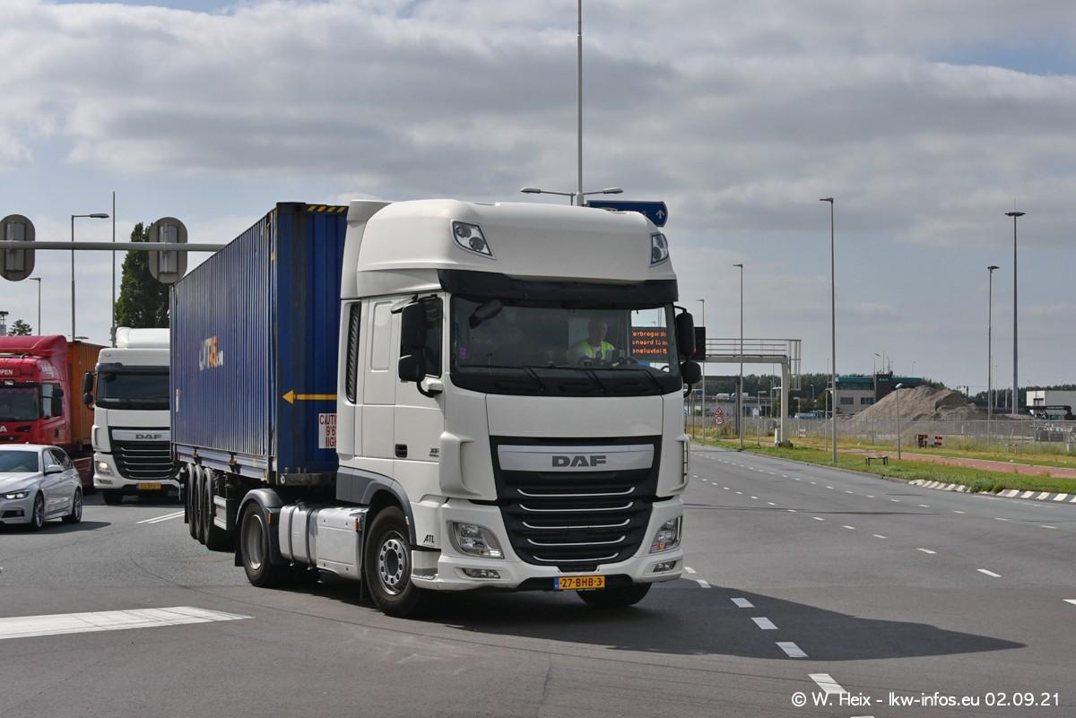 20210902-Rotterdam-Containerhafen-00367.jpg